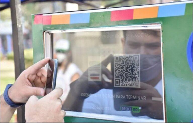 Corrientes: se podrá canjear botellas de plástico por saldo en la tarjeta SUBE.