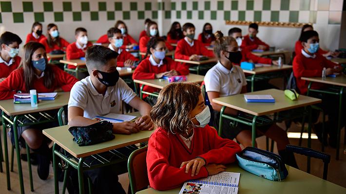 """Planifican más presencialidad en las aulas con una distancia """"óptima"""" y admisible."""