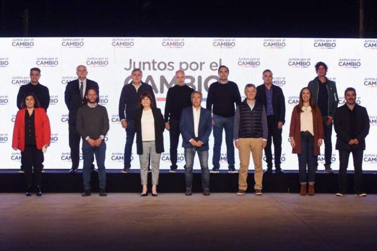 Tras su triunfo en las PASO Gustavo Valdés viajó a Buenos Aires.