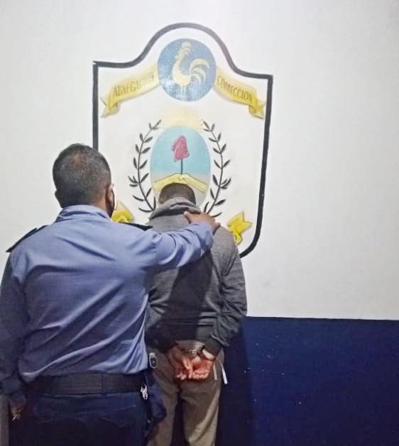Una hombre con pedido de captura fue detenido esta tarde en Mocoretá