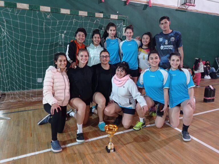 Mocoretá: El equipo femenino fue Sub campeón de Voley